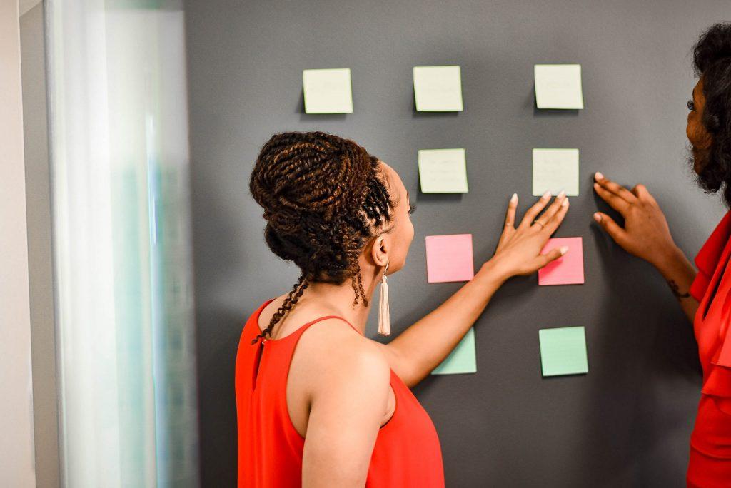 Black_woman_negotiating
